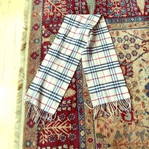 Burberry scarf wool/cashmere, iconic check